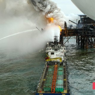 Gunashli Offshore Platform Fire (9).jpg