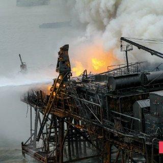 Gunashli Offshore Platform Fire (11).jpg