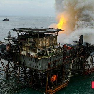 Gunashli Offshore Platform Fire (13).jpg