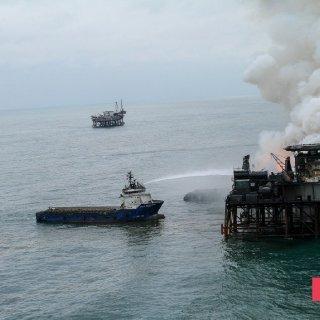 Gunashli Offshore Platform Fire (4).jpg