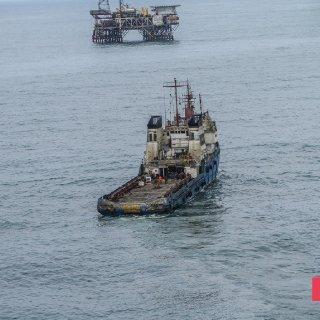 Gunashli Offshore Platform Fire (3).jpg
