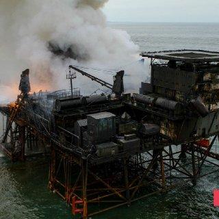 Gunashli Offshore Platform Fire (6).jpg