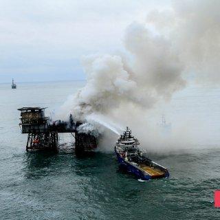 Gunashli Offshore Platform Fire (7).jpg
