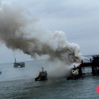 Gunashli Offshore Platform Fire (10).jpg