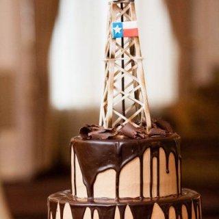 Gusher Oilfield Cake (5).jpg