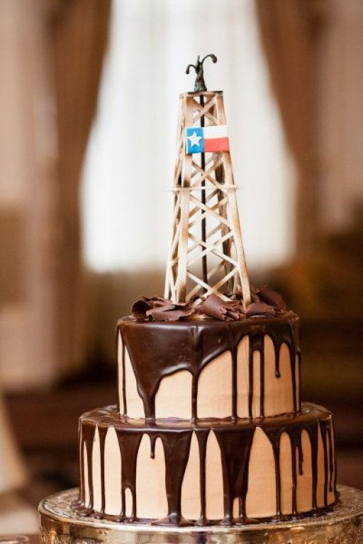 Gusher Oilfield Cake (5).jpg