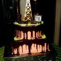 Pump Jack Oilfield Cake (3)