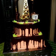 Pump Jack Oilfield Cake (3)