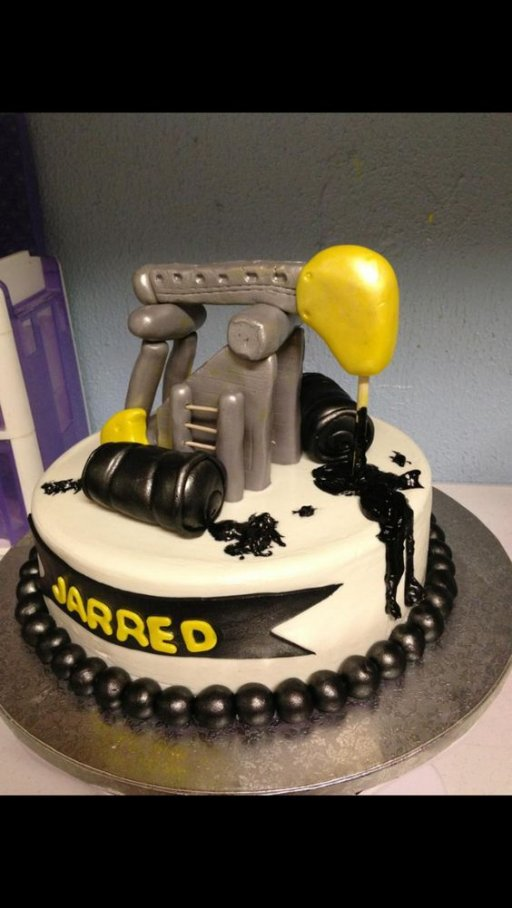 Pump Jack Oilfield Cake (2).jpg