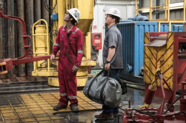 Dylan O'Brien, left, and Mark Wahlberg star in director Peter Berg's disaster drama 'Deepwater Horizon,' based on the events leading up to the BP oil spill in 2010. (David Lee/Summit Entertainment)