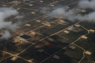 Oil rigs drill into the Permian Basin outside of Midland Saturday Sept. 17 2016.  Michael Ciaglo Houston Chronicle .jpg