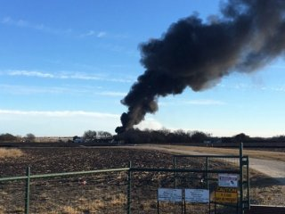 Texas oil Tank Explosion injures one