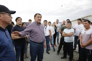 Atyrau Region Akim Governor Nurlan Nogayev at the June 30 meeting with the CCEP workers.jpg