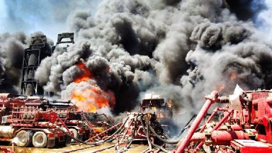 A fire on a rig site southeast of Pecos,Texas engulfed Halliburton's frackling equipment in flames on the afternoon of August 8th.