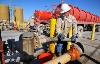 Quicksilver Resources issued layoff notices to 164 employees